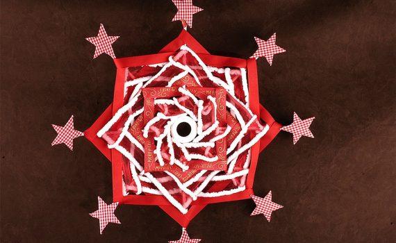 weihanchtliches Variojo in rot und weiß